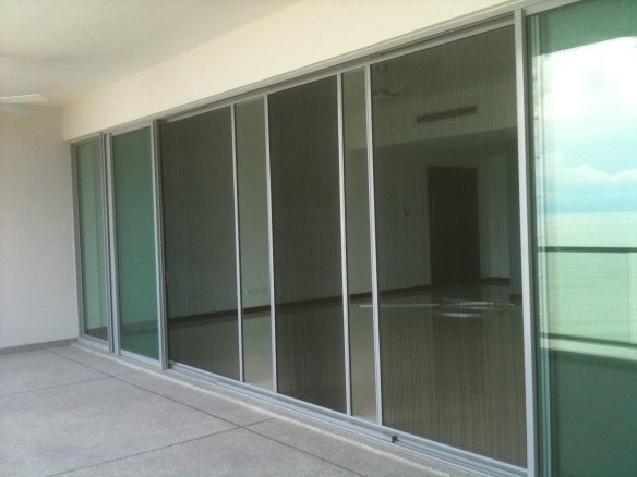 Large opening Insect screen door